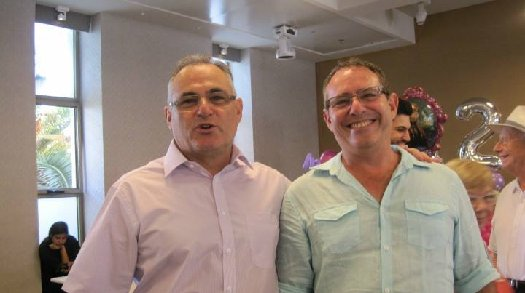 Gideon Paull (right) of Northridge, CA, with his brother Jonathan Paull, of the United Kingdom.